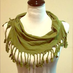 Accessories - Trendy Green Scarf